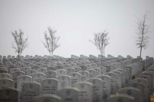 The U.S. Department of Veterans Affairs acknowledged burial mix-ups at VA cemeteries in six states, including Texas. At Houston National Cemetery, staff accidentally put 14 grave markers in the wrong places in 2002, VA officials said. Photo: Michael Paulsen, Houston Chronicle / © 2011 Houston Chronicle