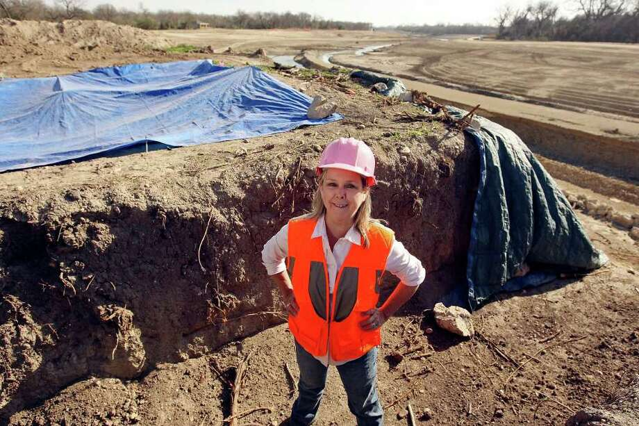 "Kay Hindes works behind the scenes to ""preserve and protect"" in San Antonio. Photo: EDWARD A. ORNELAS, SAN ANTONIO EXPRESS-NEWS / SAN ANTONIO EXPRESS-NEWS (NFS)"