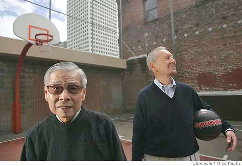 "wong054_mk.jpg 1940s USF basketball teammates William ""Woo Woo"" Wong and Cap Lavin renunite for a portrait in San Francisco's China town.3/29/05 Mike Kepka / The Chronicle MANDATORY CREDIT FOR PHOTOG AND SF CHRONICLE/ -MAGS OUT Photo: Mike Kepka"