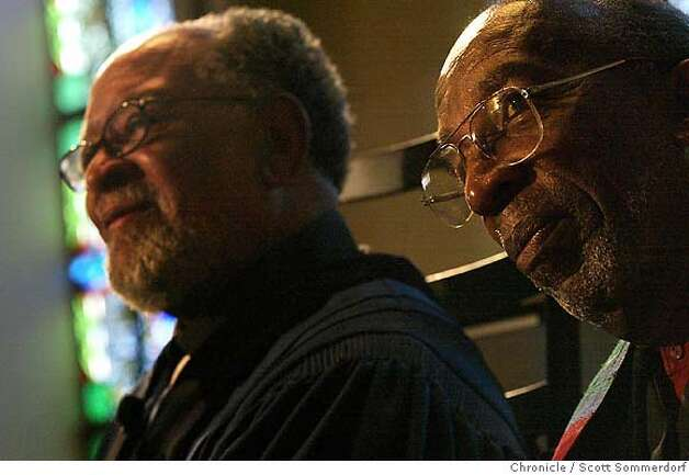 Glide ministers Cecil Williams (left) and Douglass Fitch during a service at Glide Memorial Church.  SF CHRONICLE PHOTO BY SCOTT SOMMERDORF Photo: Scs