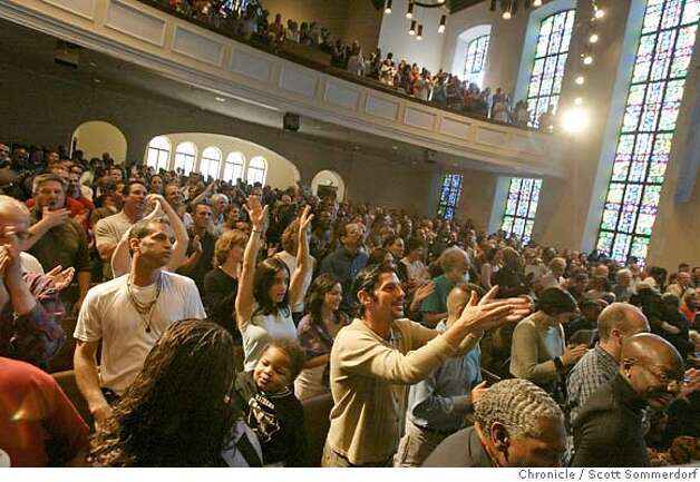 The congregation at Glide Memorial is a diverse one. The Glide Ensemble often gets the room rocking with their mix of gospel and rock and roll. Here the congregation sings and dances.  SF CHRONICLE PHOTO BY SCOTT SOMMERDORF Photo: Scs