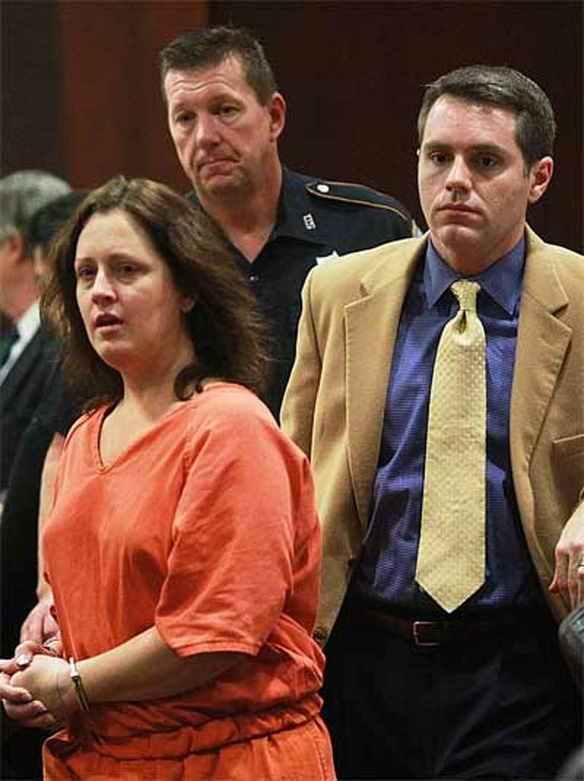 Nikki Araguz appears in court today. (Nick de la Torre/Chronicle)