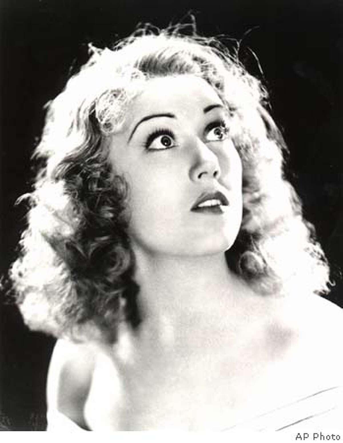 """**FILE**This is an undated picture of Fay Wray, best-remembered as the beautiful woman held by the giant gorilla in """"King Kong,"""" the 1933 classic film. Wray, 96, died Sunday, Aug.8, 2004, at her Manhattan apartment, said Rick McKay, a friend and director of the last film she appeared in.(AP Photo) Ran on: 08-10-2004 King Kong takes a terrifyingly longing look at Fay Wray, out on a limb in the jungle in the 1933 classic film on which her fame rests. Ran on: 08-10-2004 Ran on: 08-10-2004 King Kong takes a terrifyingly longing look at Fay Wray, out on a limb in the jungle in the 1933 classic film on which her fame rests. Ran on: 08-10-2004 Ran on: 08-10-2004 Ran on: 09-05-2004 Tobey Maguire: Young for his age? Ran on: 12-28-2004 03.26.04: JAN BERRY UNDATED B&W PHOTO"""