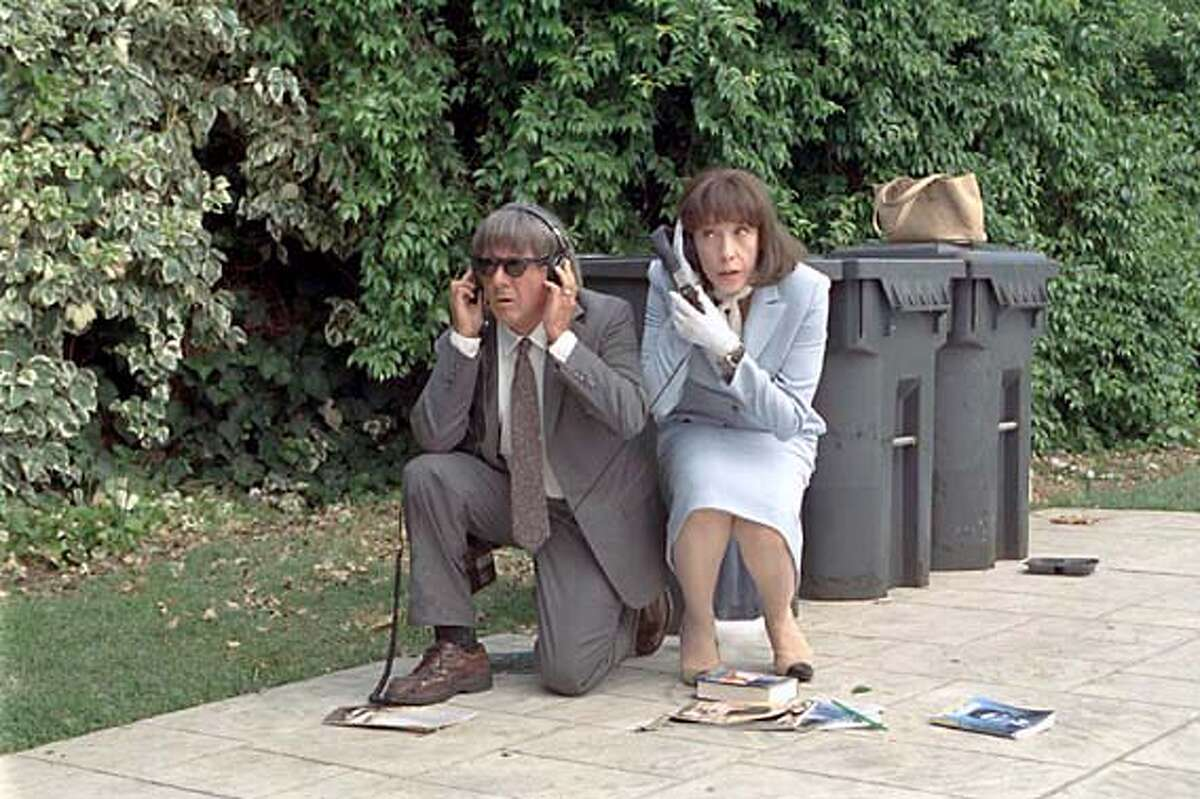Dustin Hoffman and Lily Tomlin in David O. Russell's I (HEART) HUCKABEES. Photo courtesy of Fox Searchlight. Datebook#Datebook#SundayDateBook#10/03/2004#ALL#Advance##0422383129