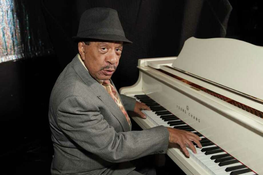 """Sherman Hemsley headlines """"Ain't Misbehavin.'"""" His singing is solid, and he moves like a much younger man.  Photo: Off-Broadway Productions, Courtesy"""