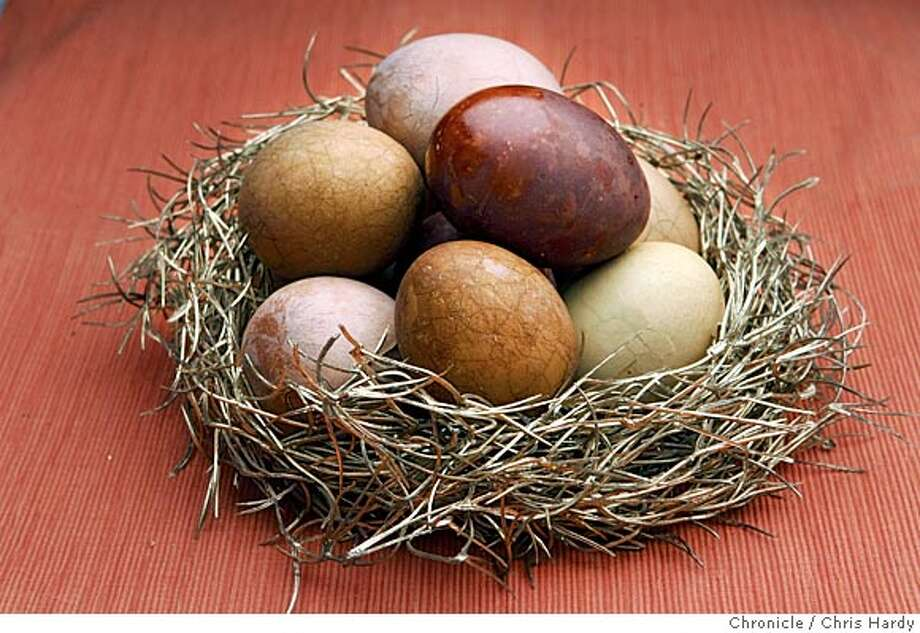 eggs23_ch_009.jpg  Tea dyed marbled Easter eggs in San Francisco  3/17/05 Chris Hardy / San Francisco Chronicle Photo: Chris Hardy