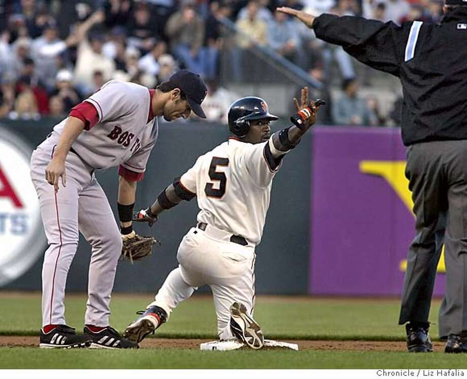 Red Sox vs. Giants at SBC Park. Ray Durham steals second base in the first inning. Shot on 6/18/04 in San Francisco. LIZ HAFALIA / The Chronicle Photo: LIZ HAFALIA