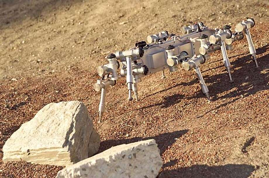 ROBOT07_PH3.JPG Scorpion robot Photo Credit: NASA Ames Research Center MANDATORY CREDIT FOR PHOTOG AND SF CHRONICLE/ -MAGS OUT Photo: NASA Ames Research Center