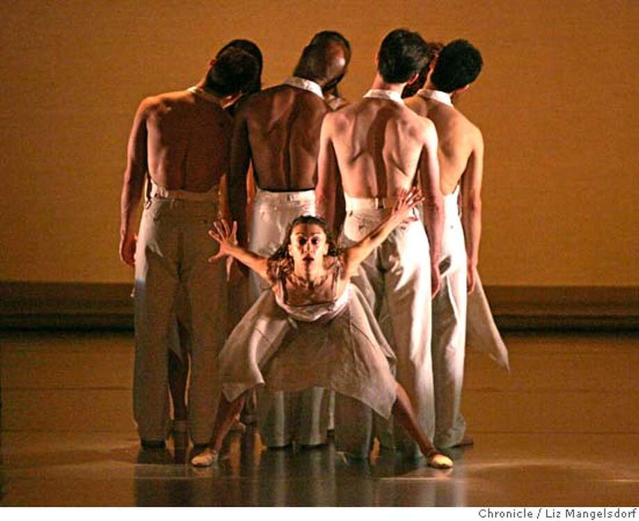 "Event on 3/2/05 in San Francisco.  The ODC Dance's 34th annual spring season dress rehearsal perform ""On a Train Heading South"".  Liz Mangelsdorf / The Chronicle Photo: Liz Mangelsdorf"