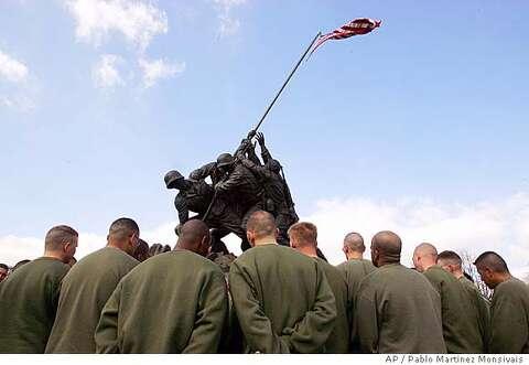 f41fdd0f09b2d9 Current members of the U.S. Marine Corps gather at the base of the U.S. Marine  Corps