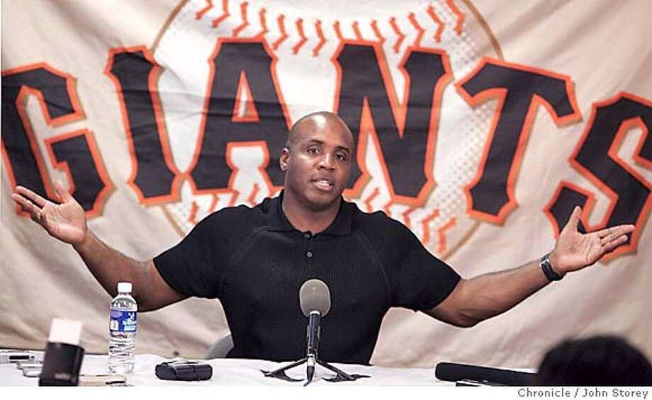 022205_Giants_jrs066.JPG  Barry talks with the press.  Barry Bonds holds a press conference at Scottsdale Stadium.  Event on 2/22/05 in Scottsdale. John Storey / The Chronicle MANDATORY CREDIT FOR PHOTOG AND SF CHRONICLE/ -MAGS OUT Photo: John Storey