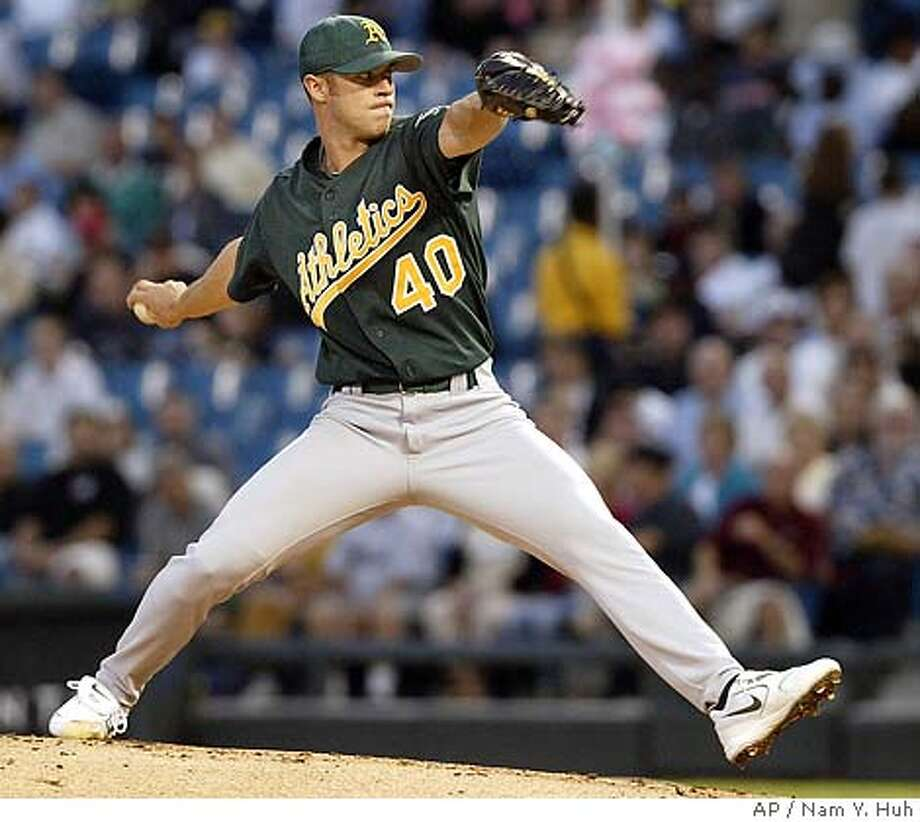 Oakland Athletics' pitcher Rich Harden delivers a pitch against Chicago White Sox in the first inning, Tuesday, Aug 31, 2004, in Chicago. (AP Photo/ Nam Y. Huh) Photo: NAM Y HUH