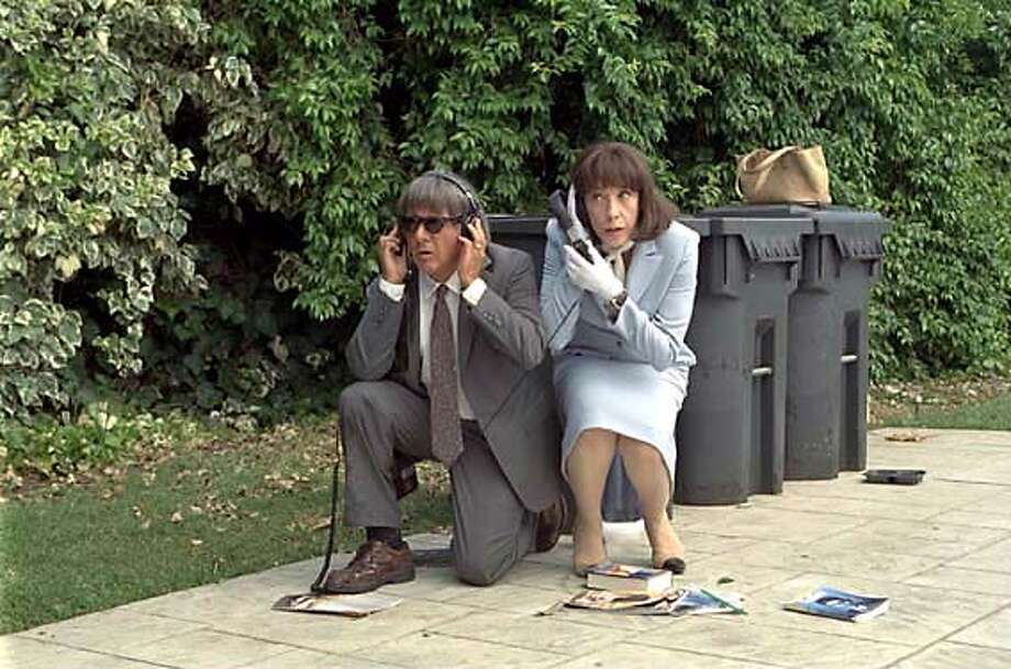 Dustin Hoffman and Lily Tomlin in David O. Russell's I (HEART) HUCKABEES. Photo courtesy of Fox Searchlight.