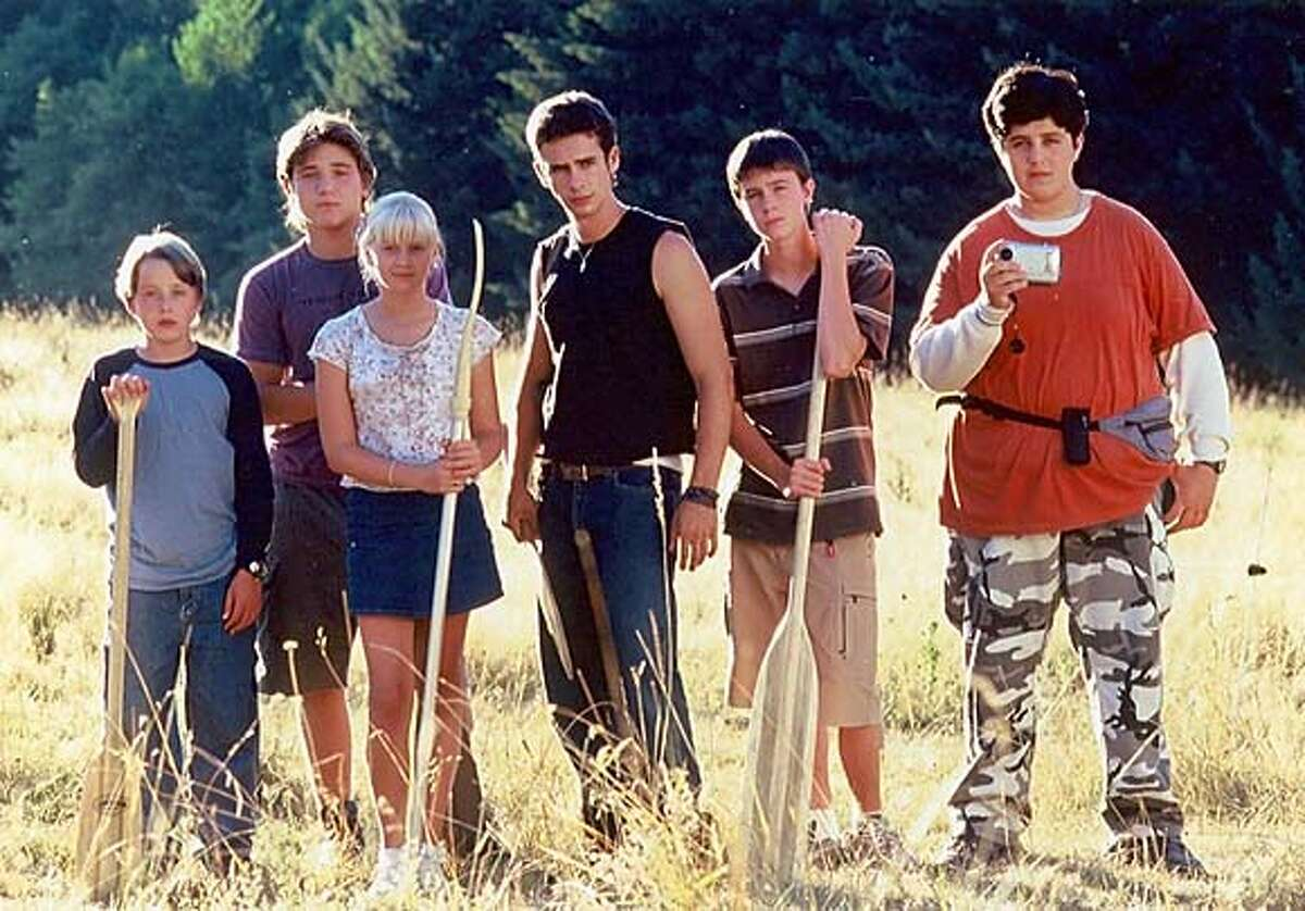 MEAN27.JPG The cast of MEAN CREEK (From Left - Rory Culkin, Trevor Morgan , Carly Schroeder, Scott Mechlowicz, Ryan Kelley , Josh Peck) Sandra Johnson / Paramount Pictures