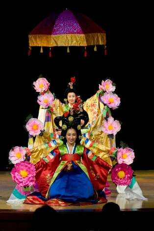 OngDance will perform at Sunday's Lunar New Year event. Photo: Oakland Museum Of California