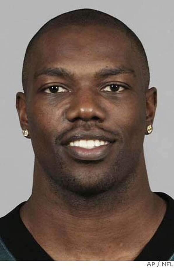 huge discount 6695e 43e80 FILE    Philadelphia Eagles  Terrell Owens is shown in this 2004 hand