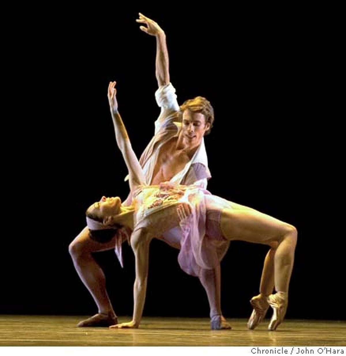 WarMemorial Opera House, 301 Van Ness Ave.San Francisco Program2, Three Ballets Falling(world primere), Yuan Yuan Tan and David Arce photo/John O'Hara