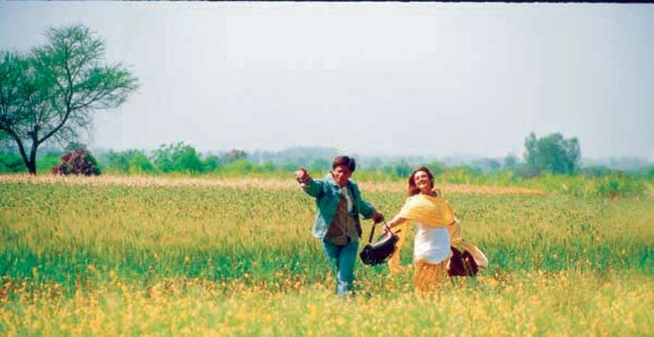 Photo of SHARUKH KHAN and PREITY ZINTA. Fort he Bollywood film being reviewed by Jonathan Curiel.