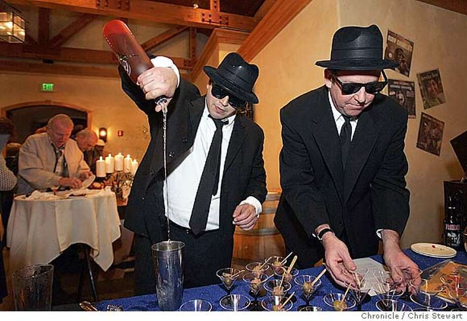 """nbmartini051_cs.jpg Event on 1/14/05 in Sonoma.  Blues Brothers look-alikes Gerard Stephens (L) and David """"Dange"""" Daniel prepare rosemary-infused Beyond Vodka martinis garnished with marinated filet-wrapped olives during the Fourth Annual Sonoma Valley Olive Festival at The Lodge at Sonoma. Sonoma Valley bartenders vie to mix the world's best olive martini in a shake-off at The Lodge at Sonoma. Chris Stewart / The Chronicle MANDATORY CREDIT FOR PHOTOG AND SF CHRONICLE/ -MAGS OUT Photo: Chris Stewart"""