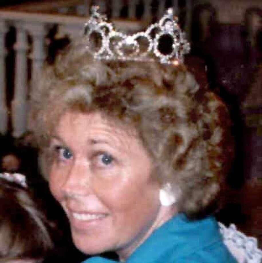 Obituary photo of Muriel Faith Mackay.