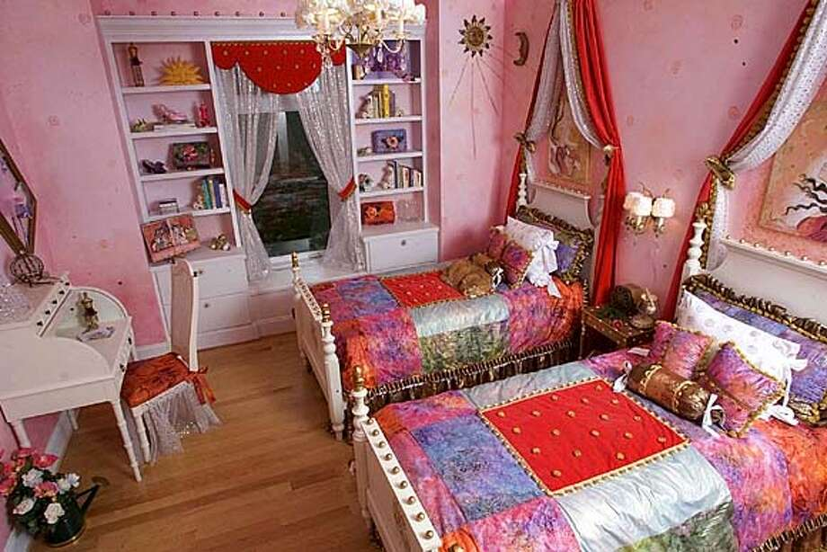 Tami Hechtel was the winner of the Ebay contest; she decorated this room for her two girls from material purchased on Ebay.