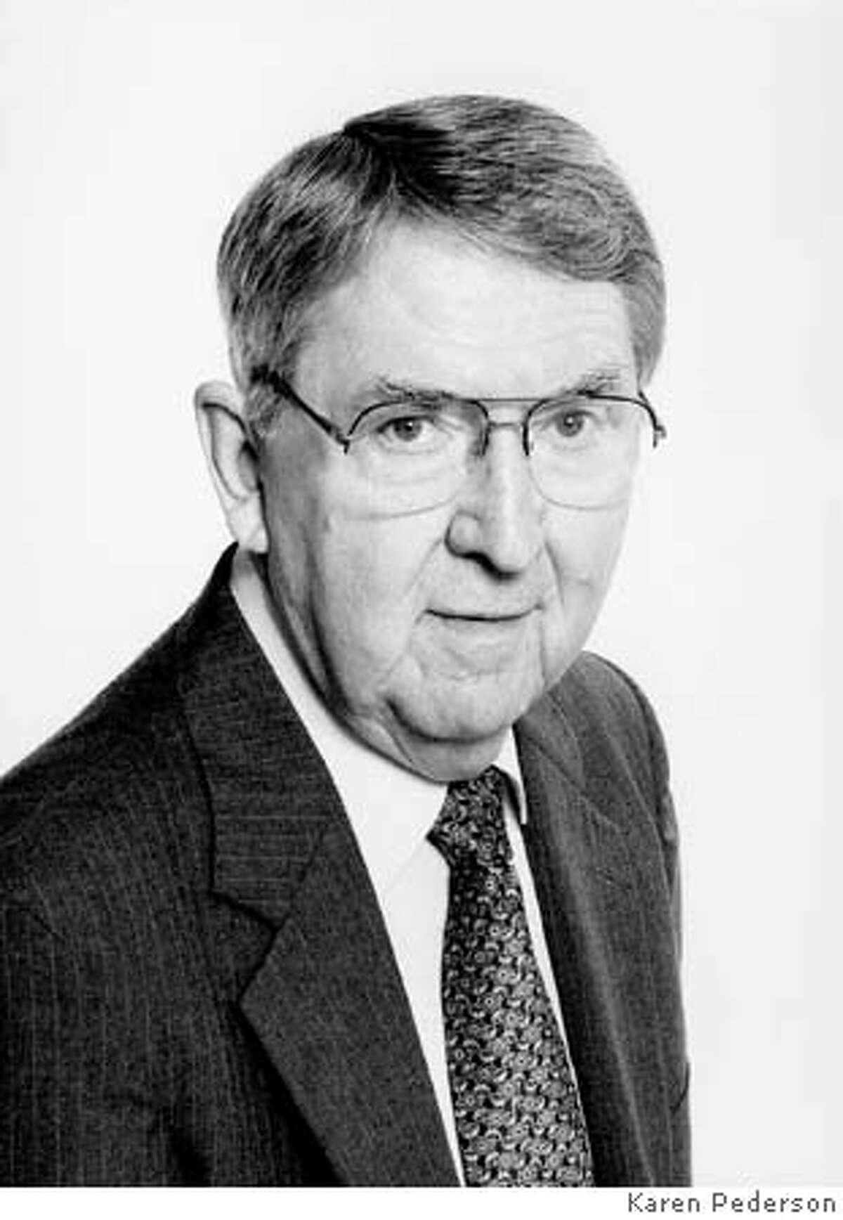 Obit photo of Donald O. Pederson, UC Berkeley professor emeritus of electrical engineering, died Dec. 25, 2004. He was 79. Photo by Karen Pederson