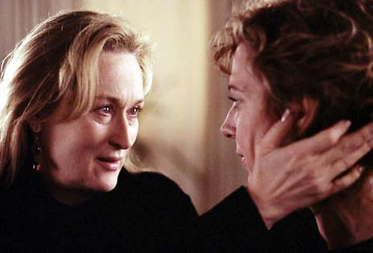 Meryl Streep as Clarissa and Allison Janney as Sally in