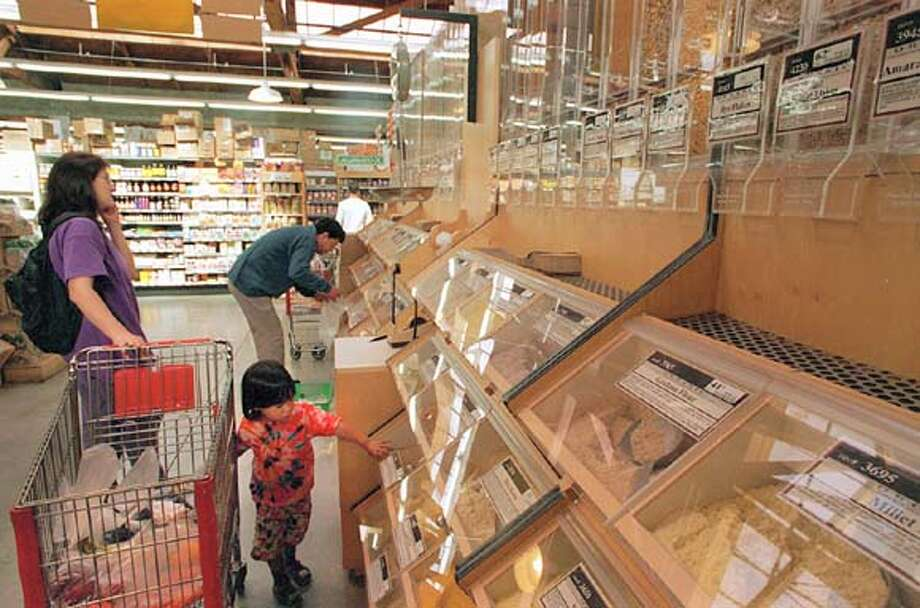 ORGANIC RAINBOW/C/19JUL96/FD/JT  Rainbow Grocery, 1745 Folsom Street  Chronicle file photo, 1996, by Jerry Telfer