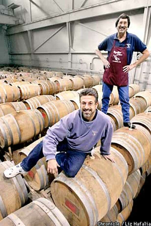 Kent Rosenblum (back) and vintner Jeff. (PHOTOGRAPHED BY LIZ HAFALIA/THE SAN FRANCISCO CHRONICLE) Photo: LIZ HAFALIA