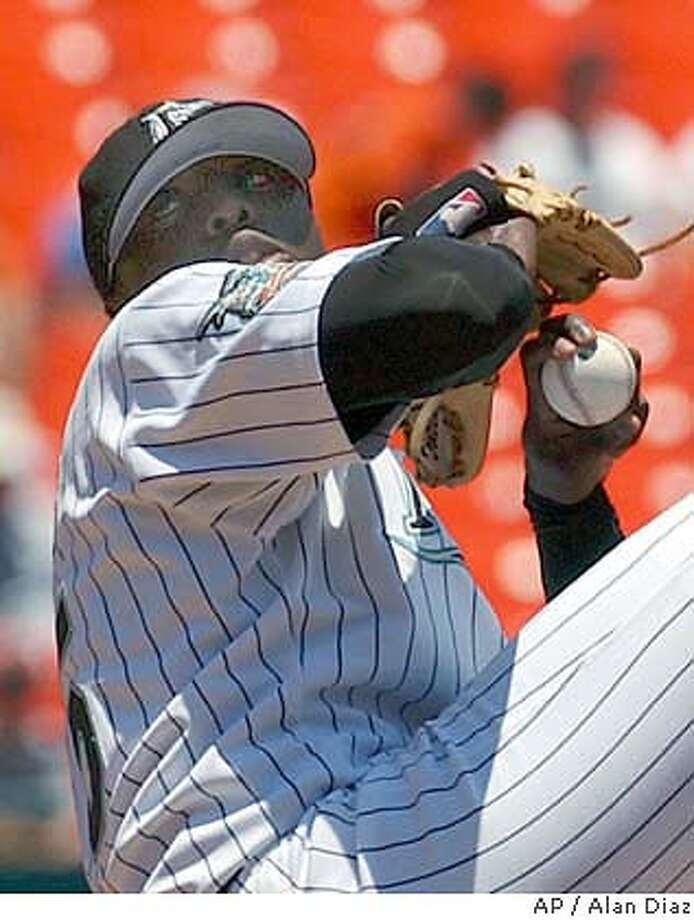 Florida Marlins' Dontrelle Willis pitches against the Cincinnati Reds in the first inning Wednesday, June 2, 2004 in Miami. The Reds won 3-1. (AP Photo/Alan Diaz) Photo: ALAN DIAZ