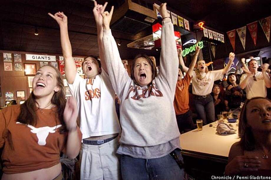 Texans at the FInal Final Bar. Chronicle photo by Penni Gladstone