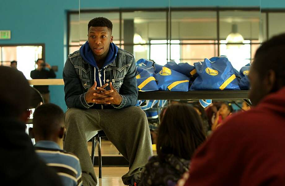 Warriors guard Nate Robinson meets with children in the community at the East Oakland Sports center, Tuesday January 24, 2012, in Oakland, Calif. Photo: Lacy Atkins, The Chronicle