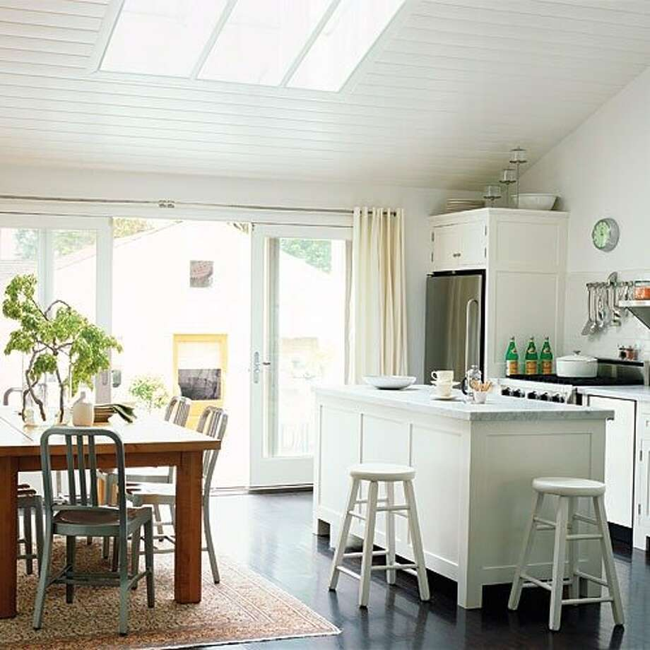 25 Captivating Ideas For Kitchens With Skylights: Design Ideas Inspired By Small Homes
