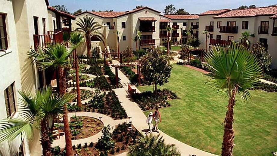 Guest rooms wrap around a sunken courtyard at Estancia La Jolla Hotel & Spa, near the heart of University of California, San Diego. Illustrates TRAVEL-SANDIEGO (category t), by Craig Nakano, � 2004, Los Angeles Times. Moved Tuesday, Sept. 14, 2004. (MUST CREDIT: Los Angeles Times photo by Craig Nakano). Travel#Travel#Chronicle#10/17/2004#ALL#Advance##0422411012 Photo: CRAIG NAKANO