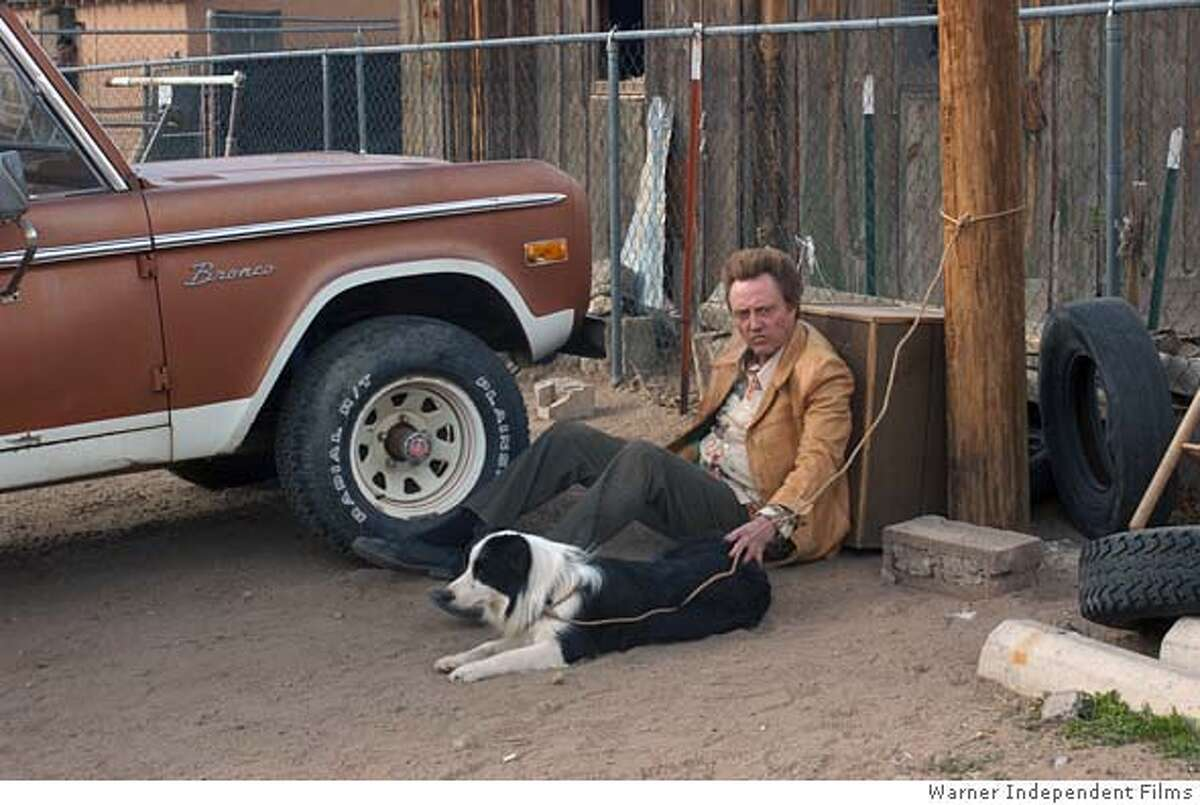 17.jpg Christopher Walken stars as Turner in Jordan Roberts' AROUND THE BEND. / Warner Independent Films Datebook#Datebook#Chronicle#10/15/2004#ALL#5star##0422411093