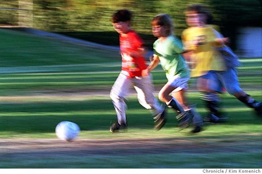 RIOVISTA03-C-02DEC01-LV-KK  Kids play soccer in Rio VIsta.  CHRONICLE PHOTO BY KIM KOMENICH Ran on: 10-15-2004 Ran on: 10-15-2004 Photo: Kim Komenich