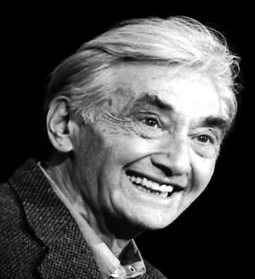 """Howard Zinn is a professor emeritus at Boston University and author of """"A People's History of the United States."""" Datebook#Datebook#Chronicle#10/13/2004#ALL#Advance##0422407539"""