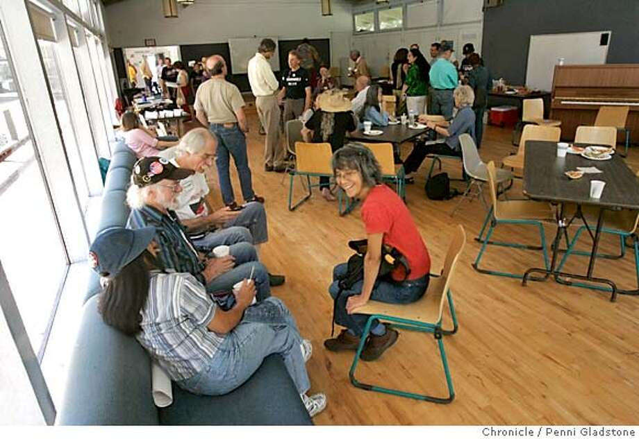 VETERANS11_gladstone  The room that was not quite filled with people for this event  The veterans of the Berkeley Free Speech Movement gather for a 40th anniversary reunion party at the Strawberry Canyon Recreation Facility  Berkeley on 10/11/04 by Penni Gladstone  San Francisco Chronicle Metro#Metro#Chronicle#10/11/2004#ALL#5star##0422406332 Photo: Penni Gladstone
