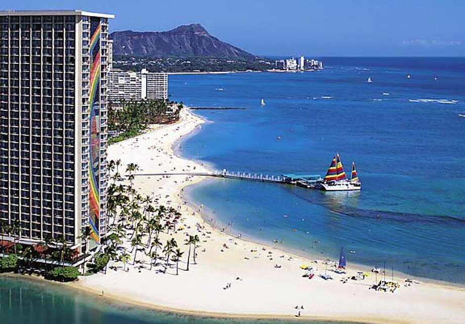TRAVEL HAWAII -- The Rainbow Tower at the Hilton Hawaiian Village. Courtesy Hilton Hawaiian Village. Travel#Travel#Chronicle#10/10/2004#ALL#Advance##0422396262