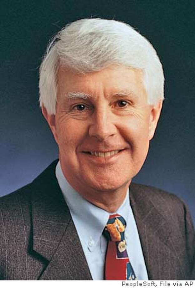 ** FILE **This file photo provided by PeopleSoft shows David Duffield, chairman and founder of PeopleSoft. Duffield, who returned as chief executive during the company's bruising takeover battle with Oracle Corp., has quit the business software maker, according to a regulatory filing Tuesday, Dec. 28, 2004. Duffield resigned as CEO, chairman and director on Dec. 21, according to the document filed with the Securities and Exchange Commission. (AP Photo/PeopleSoft) Ran on: 12-29-2004  Duffield Ran on: 02-10-2005  A foundation set up by PeopleSoft founder David Duffield has given New York City $15.5 million. FILE PHOTO PROVIDED BY PEOPLESOFT;