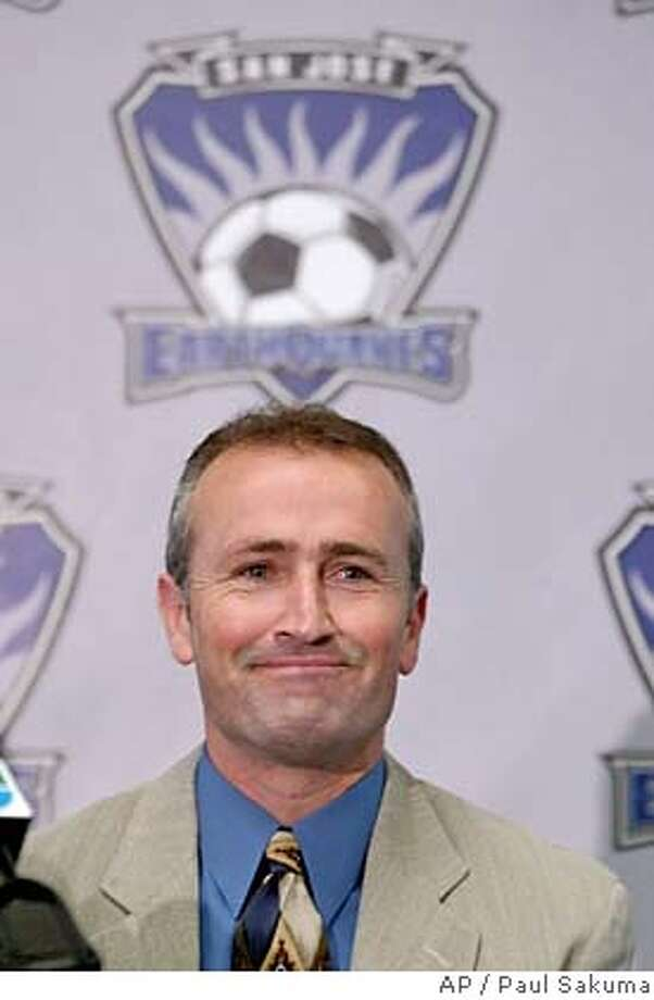 New San Jose Earthquakes head coach Dominic Kinnear smiles at a news conference in San Jose, Calif., Wednesday, Jan. 7, 2004. (AP Photo/Paul Sakuma) Dominic Kinnear helped ex-coach Frank Yallop lead San Jose to two MLS titles. ProductName	Chronicle Photo: PAUL SAKUMA