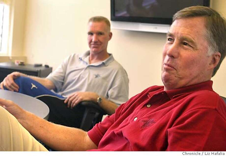 WARRIORS_113_LH.JPG Warriors executive Chris Mullin and coach Mike Montgomery during a Chronicle Q&A.  Shot on 9/27/04 in Oakland. LIZ HAFALIA/The Chronicle MANDATORY CREDIT FOR PHOTOG AND SF CHRONICLE/ -MAGS OUT Sports#Sports#Chronicle#10/5/2004#ALL#5star##0422386343 Photo: Liz Hafalia