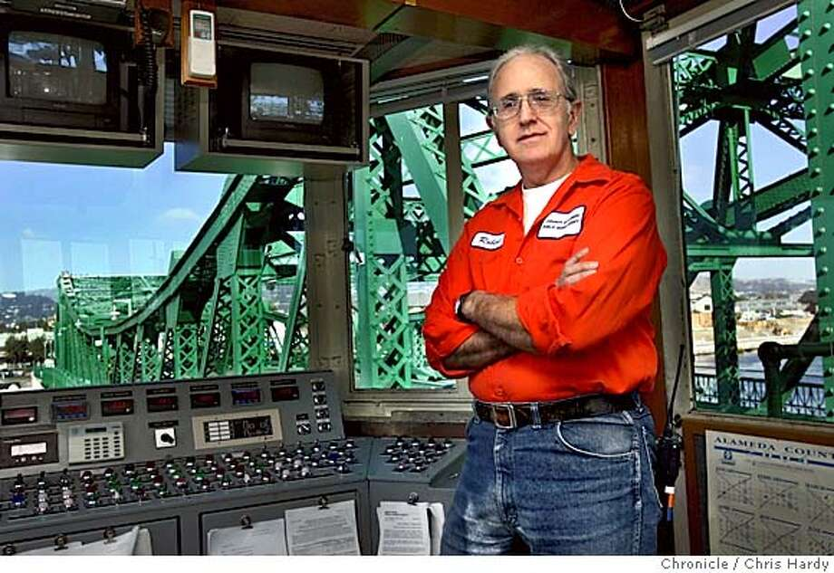 life05-10-ch.jpg  Robert Standing in control booth of the Park st drawbridge  Chris Hardy/San Francisco Chronicle MANDATORY CREDIT FOR PHOTOG AND SF CHRONICLE/ -MAGS OUT Datebook#Datebook#Chronicle#10/05/04#ALL#Advance##0422386178 Photo: Chris Hardy