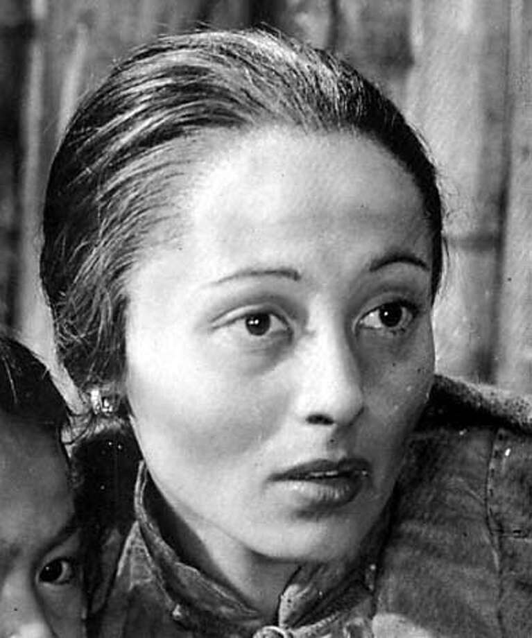"""Luise Rainer: undeserved Oscar for """"The Good Earth""""?"""