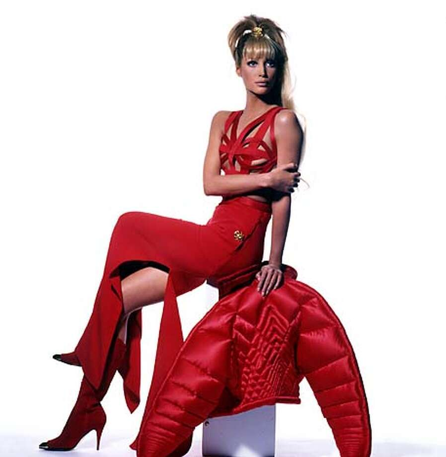 """Versace, Items from SFMOMA's exhibition """"Glamour"""". Living#Living#Chronicle#10-03-2004#ALL#Advance#FX#0422371697"""