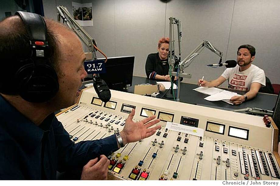 "GAYTV18B_jrs_0178_jpg.JPG  Left to right: David Latulippe, Marilyn Pittman, and Eric Jansen talk on the radio.  The making of a gay radio show at KALW Radio. The show is called ""Out in the Bay"". John Storey San Francisco Event on 3/9/05 MANDATORY CREDIT FOR PHOTOG AND SF CHRONICLE/ -MAGS OUT Photo: John Storey"