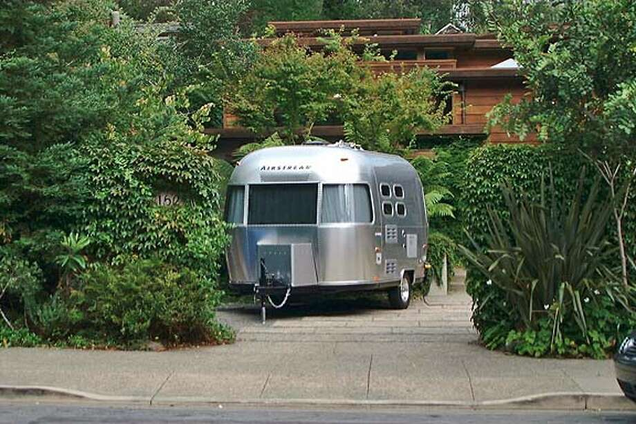 THIS IS A PICTURE OF STOLEN AIRSTREAM FOR RUBENSTEIN DAILY STORY.
