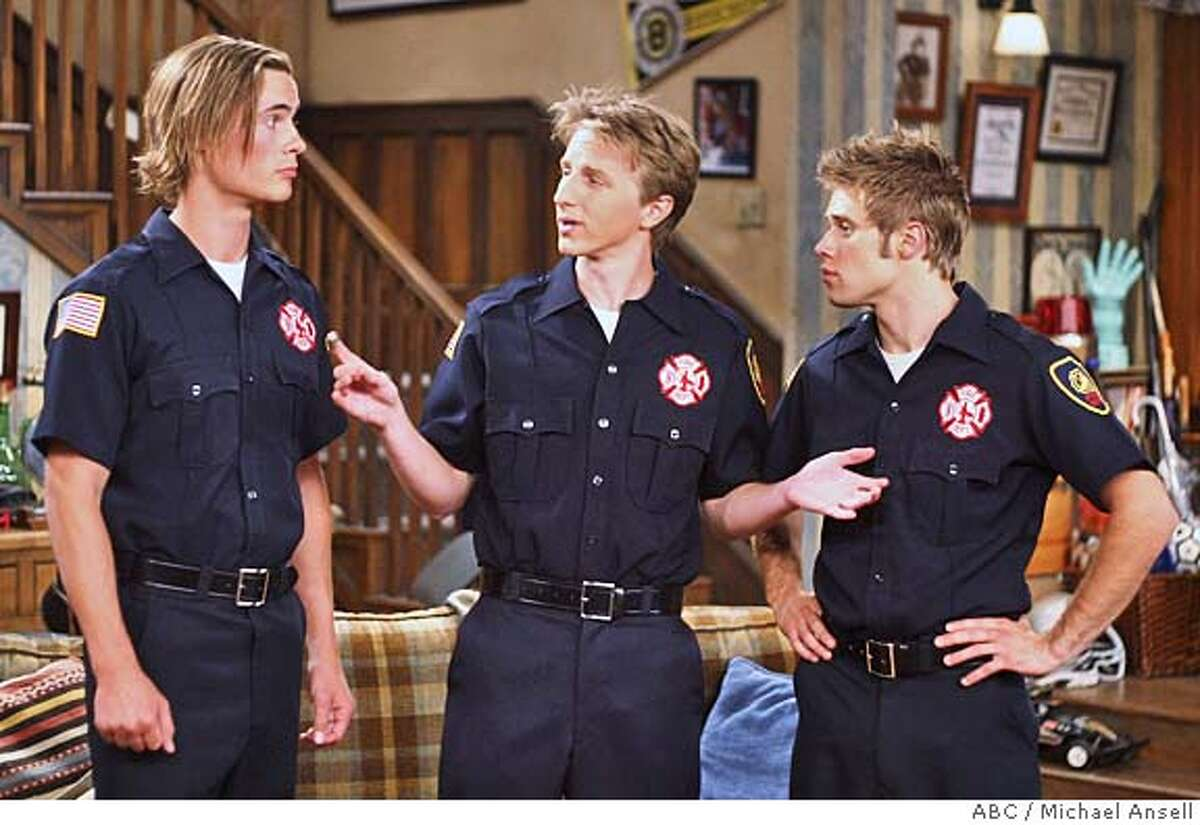 GOODMAN23 COMPLETE SAVAGES - �Almost Men in Uniform� � When Nick and his brother, Jimmy, are called in to work unexpectedly, Nick is forced to take the younger boys, T. J. and Kyle, with him to the fire station, which leaves Sam, Jack and Chris home alone. (ABC/MICHAEL ANSELL)