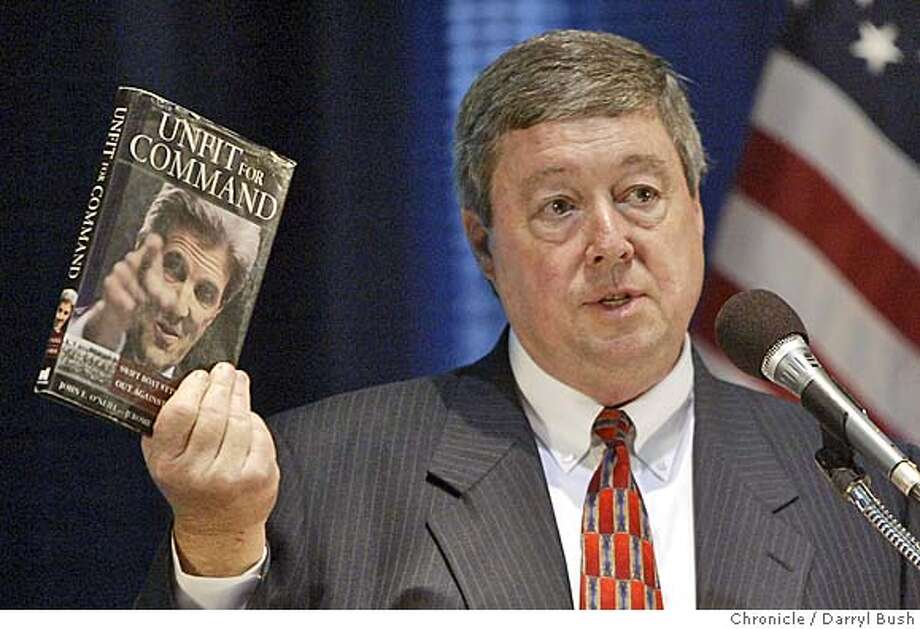"""John O'Neill, author of anti-Kerry book, """"Unfit for Command,"""" talks at the Commonwealth Club 9/10/04 in San Francisco  Darryl Bush / The Chronicle Photo: Darryl Bush"""