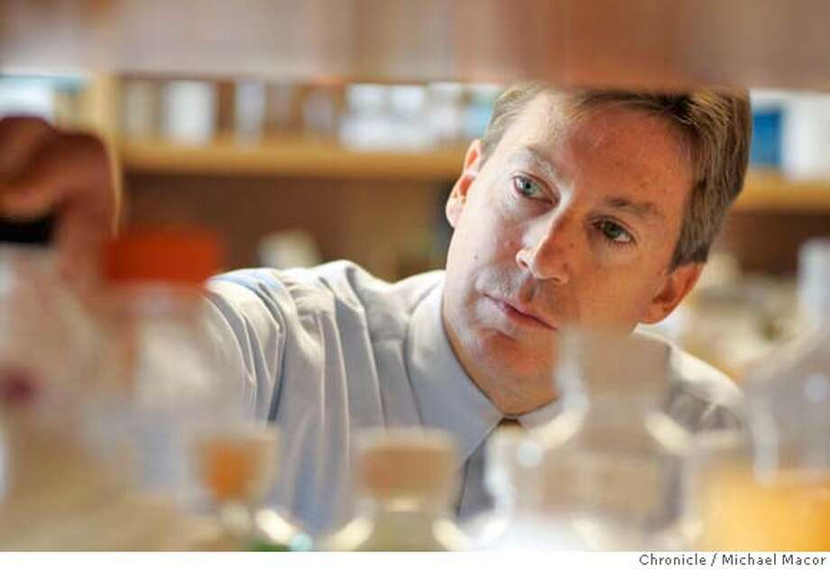 Dr. Bredesen inside his research lab. Dr. Dale Bredesen is the President and CEO of The Buck Institute in Novato. Story about the discovery of a new , third type of cancer-influencing gene. on 9/10/04. Michael Macor / San Francisco Chronicle Photo: Michael Macor